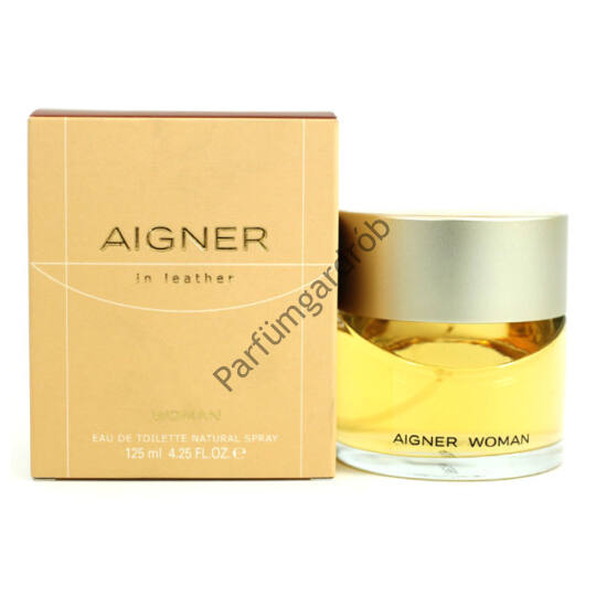 Aigner:In Leather toilette